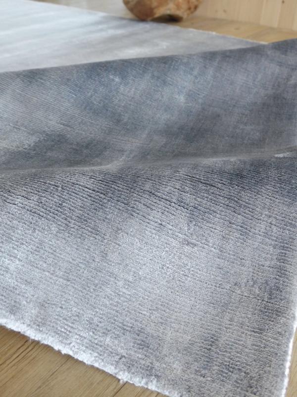 Teppich Designers Guild Eberson Platinum