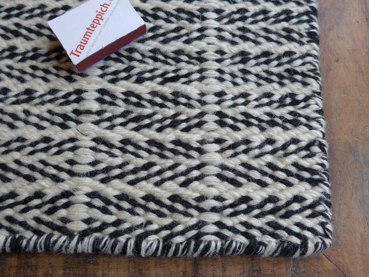 Fabula Teppich Tanne 1015 WeißSchwarz